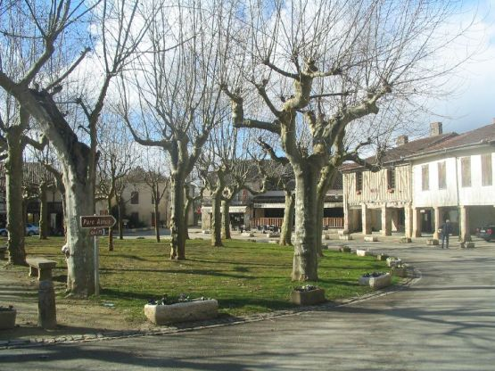place FOURCES 01128